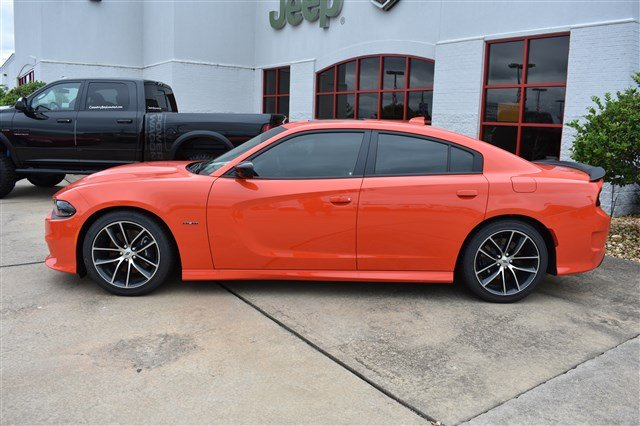 New 2018 Dodge Charger R T 4dr Car In Fayetteville D329097