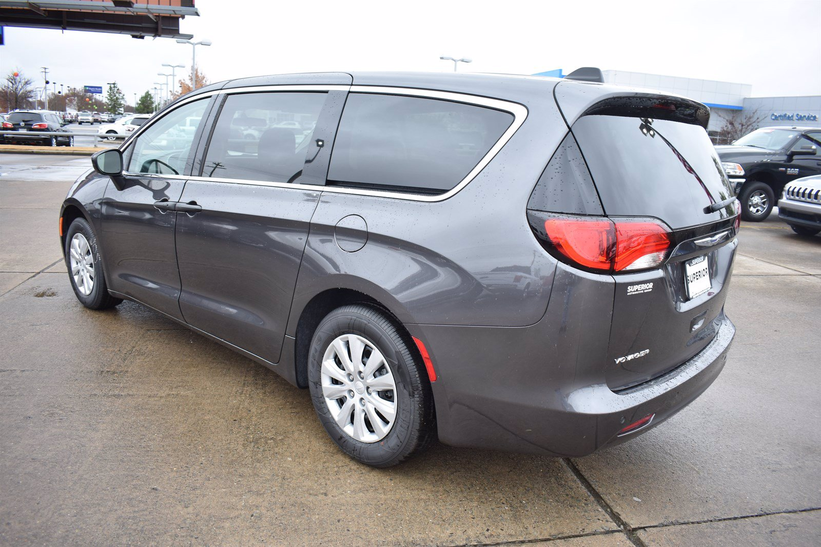 Pre-Owned 2020 Chrysler Voyager L