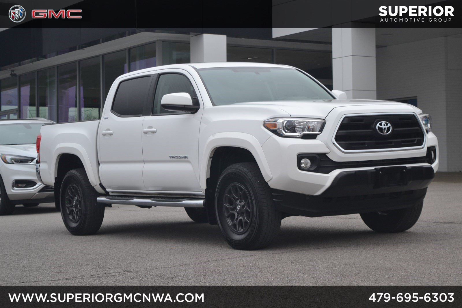 Pre Owned 2017 Toyota Tacoma Sr5 4wd
